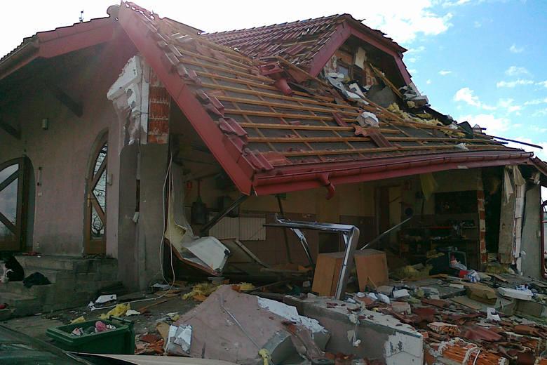 Zawalił się dom w Rawie Mazowieckiej. Przyczyną był wybuch gazu.