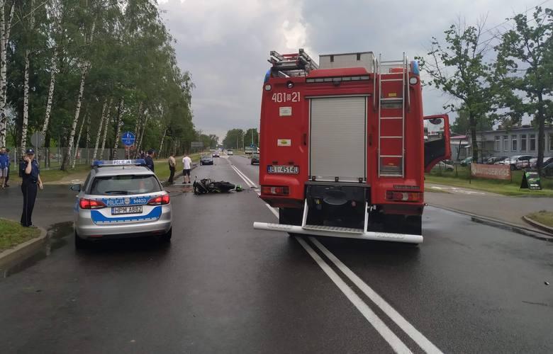 Zgłoszenie o zdarzeniu wpłynęło do Centrum Powiadamiania Ratunkowego około godziny 13.30. Na ul. Mazurskiej w Augustowie doszło do wypadku z udziałem