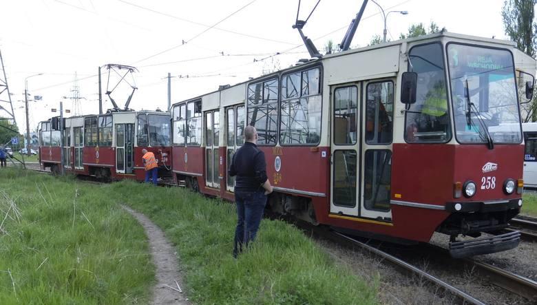 Przy Wschodniej wykoleił się tramwaj [ZDJĘCIA]