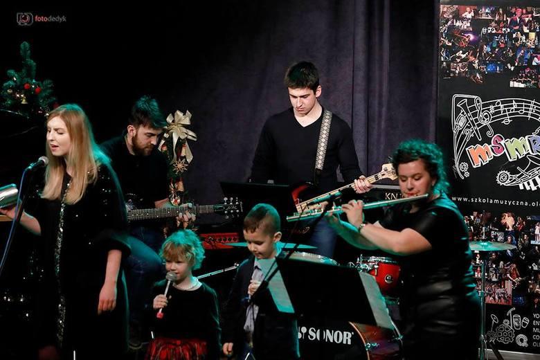 Państwowa Szkoła Muzyczna I stopnia w Oleśnie organizuje ten wielki rodzinny koncert już od 5 lat.Pomysł na niezwykły festiwal wziął się stąd, że w oleskiej