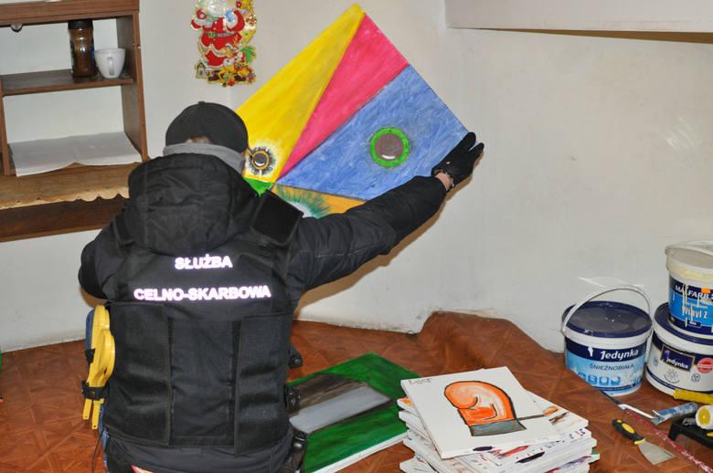 """""""Malarz"""" i rzeźnik z Pabianic stanęli przed sądem za próbę wyłudzenia 160 mln zł jako zwrotu podatku VAT od sprzedaży 20 obrazów za..."""