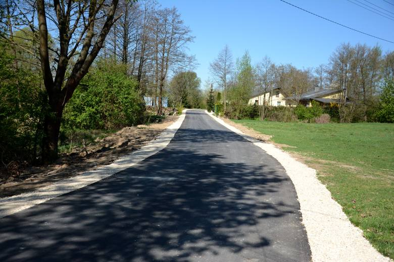 Kolejne drogi w gminie Daleszyce przebudowane. Mieszkańcy będą bezpieczniejsi
