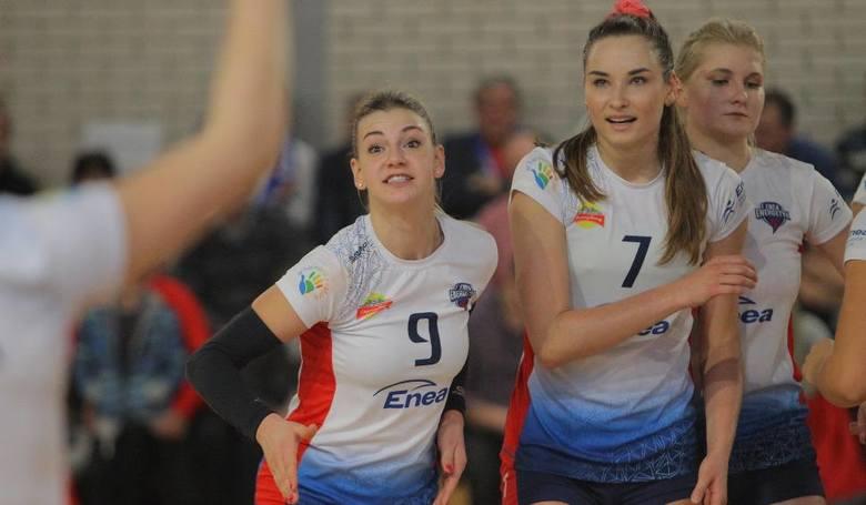 Klaudia Świstek i Barbara Cembrzyńska musiały wznieść się z koleżankami na wyżyny umiejętności, żeby ograć najbardziej utalentowane siatkarki młodego