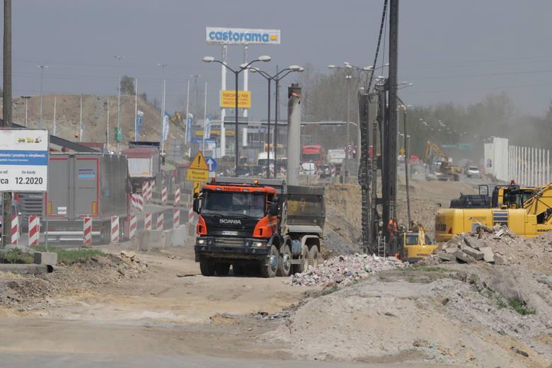 Przebudowa DK 94 w Sosnowcu. 27 kwietnia 2020 rokuZobacz kolejne zdjęcia. Przesuwaj zdjęcia w prawo - naciśnij strzałkę lub przycisk NASTĘPNE