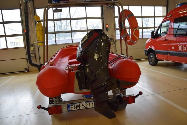 Nowe pojazdy strażaków pokazał nam st. ktp. Tomasz Duber, zastępca komendanta PSP w Nowej Soli