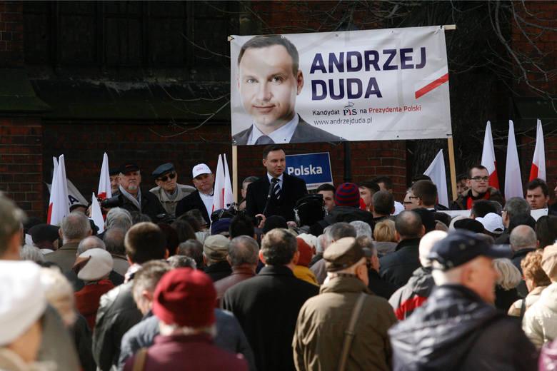 Lokalny komitet poparcia Andrzeja Dudy w Oławie, w którym działają także politycy Prawa i Sprawiedliwości, zamówił dwie msze. - Nie ulega wątpliwości,