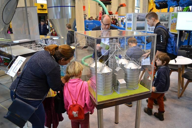 W Ostródzie zapowiada się kolejny frekwencyjny rekord. W halach Expo Mazury odbywają się targi Mazurskie Agro Show. Za nami pierwszy dzień wystawy tłumnie