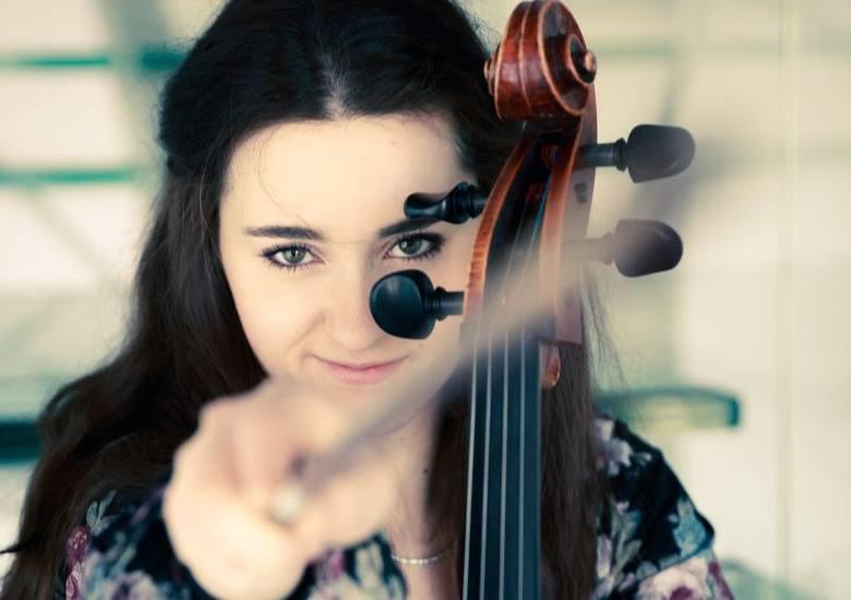 Granie na instrumencie to ciągłe szukanie dźwięków i emocji. Stale odkrywam w tym coś nowego - mówi Zuzanna Sosnowska.
