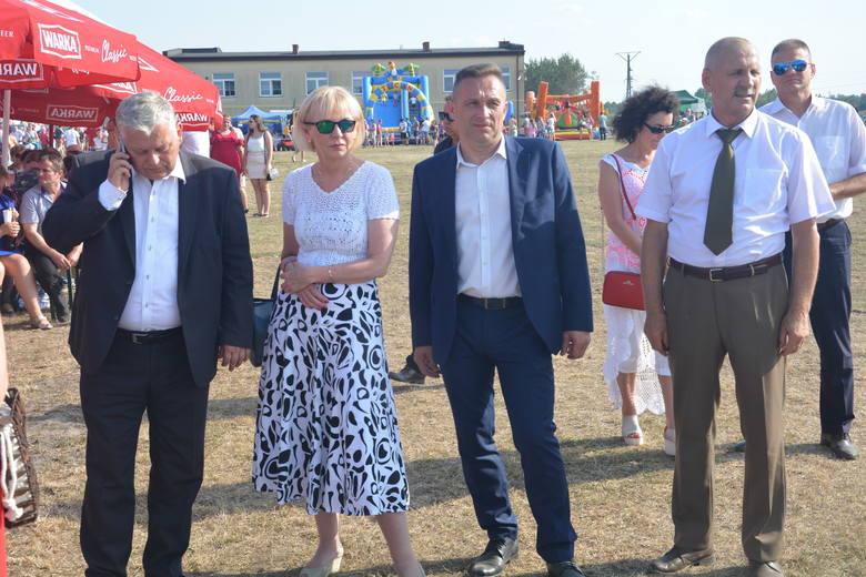 Podczas festynu obecni byli od lewej: Marek Suski, Anna Kwiecień, Eugeniusz Andrzej Wolszczak i Zbigniew Rek.