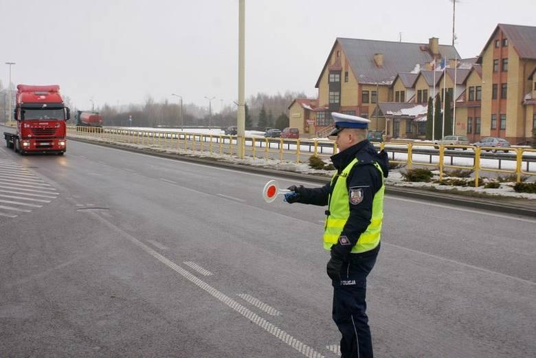 Policyjna akcja Truck-Bus. 337 mandatów, 15 spraw w sądzie (zdjęcia)