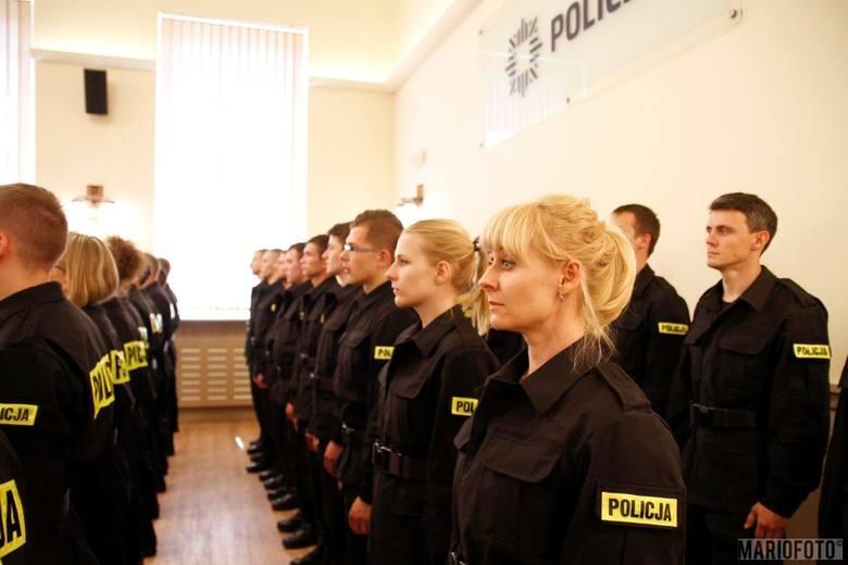 Ślubowanie nowych policjantów.