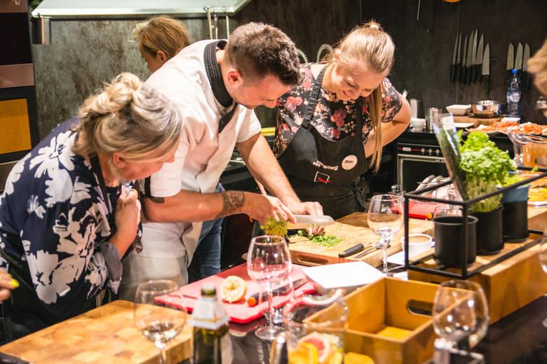 Gotowania można się nauczyć! Zobacz, jak wyglądają warsztaty kulinarne w Papryce