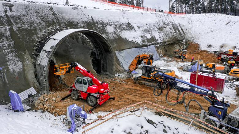 Oto tunele drogowe budowane i planowane do budowy w Polsce. W sumie ma powstać 25 kilometrów podziemnych tras.Zobacz kolejne zdjęcia. Przesuwaj zdjęcia