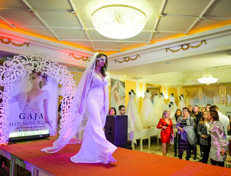 W niedzielę w Hotelu Gloria w Przemyślu odbyła się dziewiąta już edycja Przemyskiej Gali Ślubnej. Zobaczcie zdjęcia!