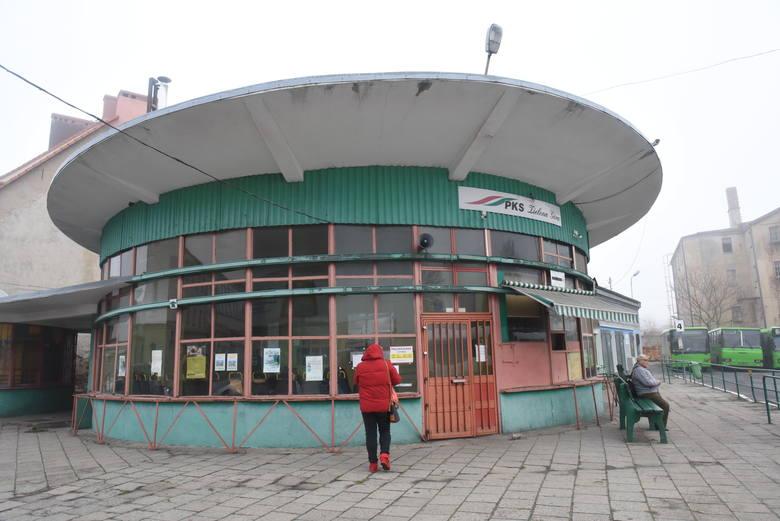 Dworzec PKS w Sulechowie pozostawia wiele do życzenia