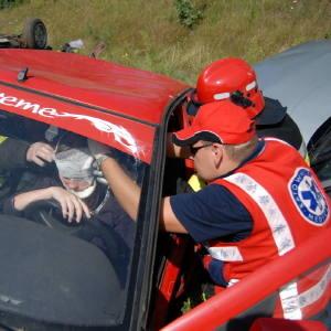Symulacja wypadku była tak wiarygodna, że kierowcy zatrzymywali się, aby udzielić pomocy