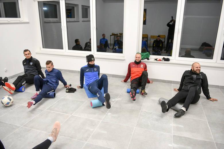 Piłkarze Cyklonu, mimo że runda jesienna się już skończyła, to jeszcze szlifują umiejętności