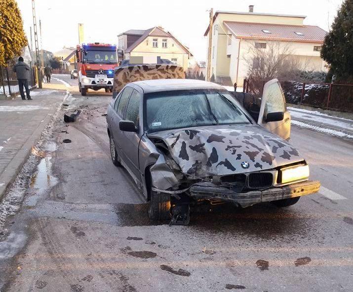 Do tego zdarzenia doszło w poniedziałek około godziny 6:30. W Knyszynie BMW uderzyło w tył volkswagena polo. -  Działania polegały na zabezpieczeniu