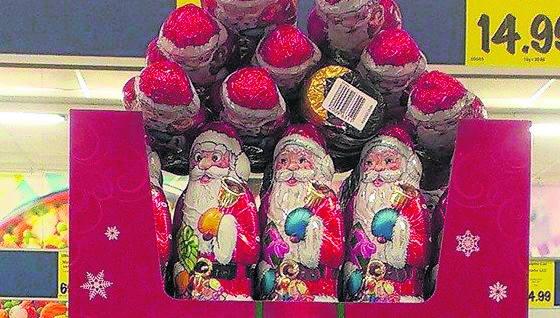 W sklepach jednej z sieci spożywczych w czekoladowe Mikołaje można  zaopatrywać się  już od początku października