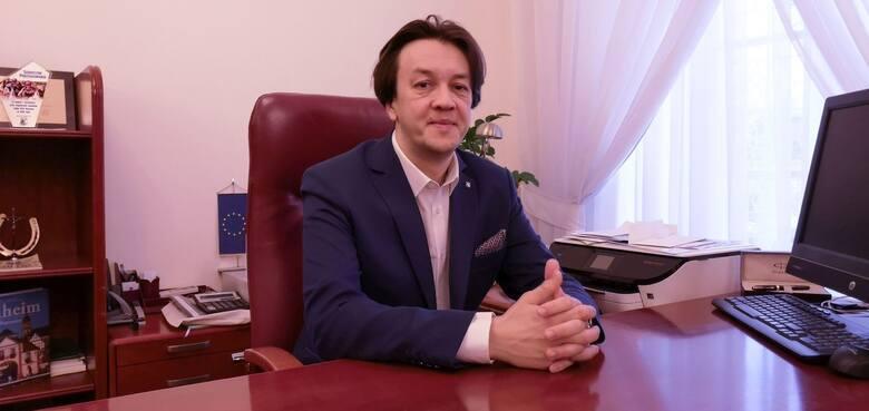 Piotr Kozłowskiburmistrz Kozienic, KozieniceWYNIK: 289Nominacja za:sprawne zarządzanie gminą, realizację wielu inwestycji, zdobywanie dofinansowań do