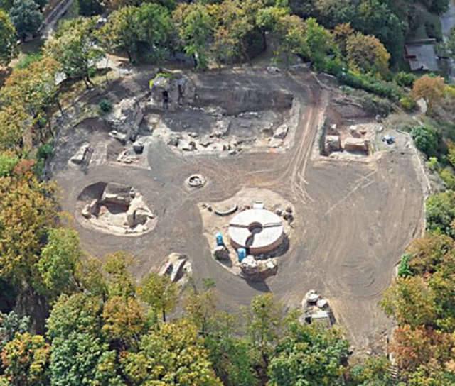 Ruiny zamku po badaniach