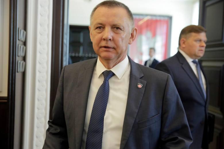 Marian Banaś postanowił odpowiedzieć, w oświadczeniu opublikowanym na stronie NIK, na informacje medialne.