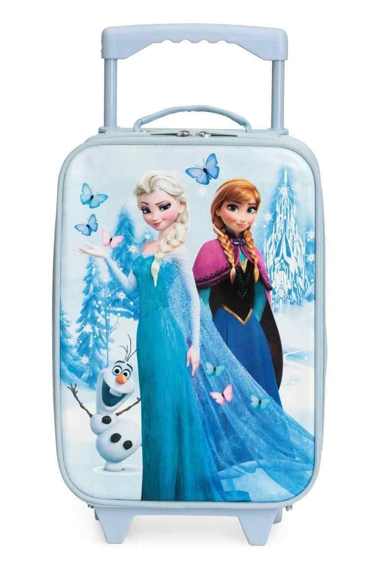 6-letnia dziewczynka z Inowrocławia zgubiła walizkę pełną ukochanych zabawek. Jej mama prosi o pomoc
