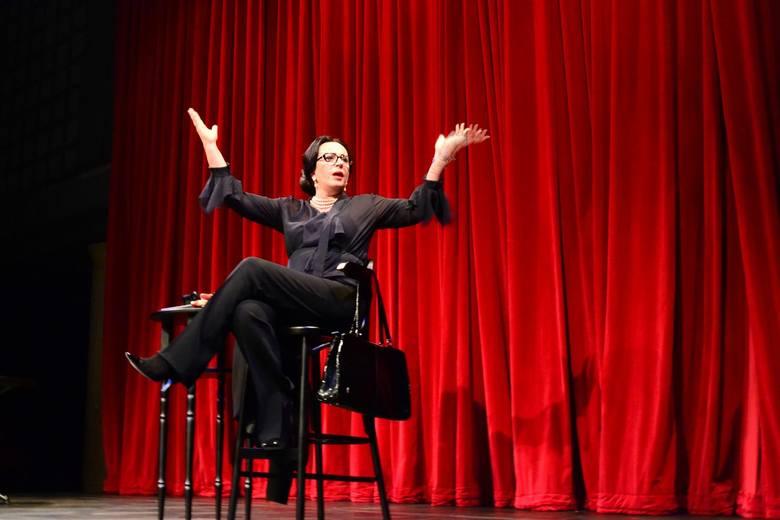 """We wtorek o godz. 20.30 można wybrać się na sztukę zatytułowaną """"Maria Callas. Master Class"""" warszawskiego Och-Teatru, w której główną rolę gra niezawodna"""