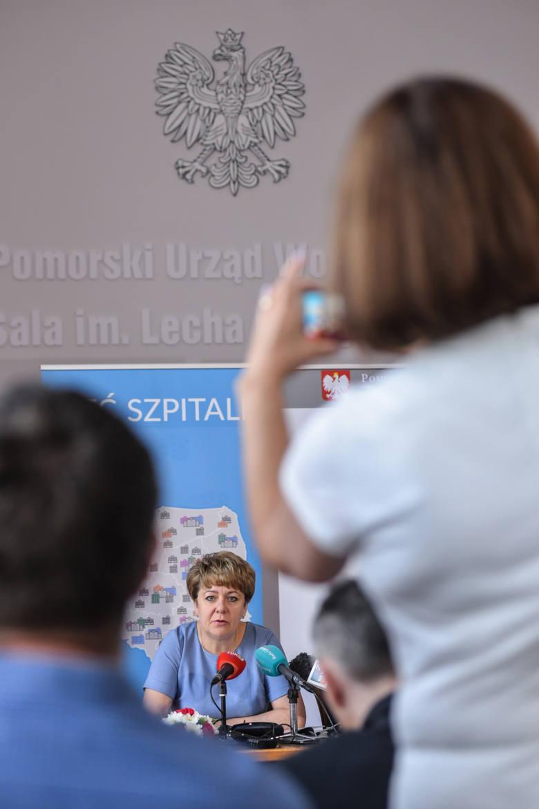 Dyrektor pomorskiego NFZ Elżbieta Rucińska-Kulesz, wojewoda Dariusz Drelich oraz dyrektor Wydziału Zdrowia UW Jerzy Karpiński przekonywali, że sieć szpitali