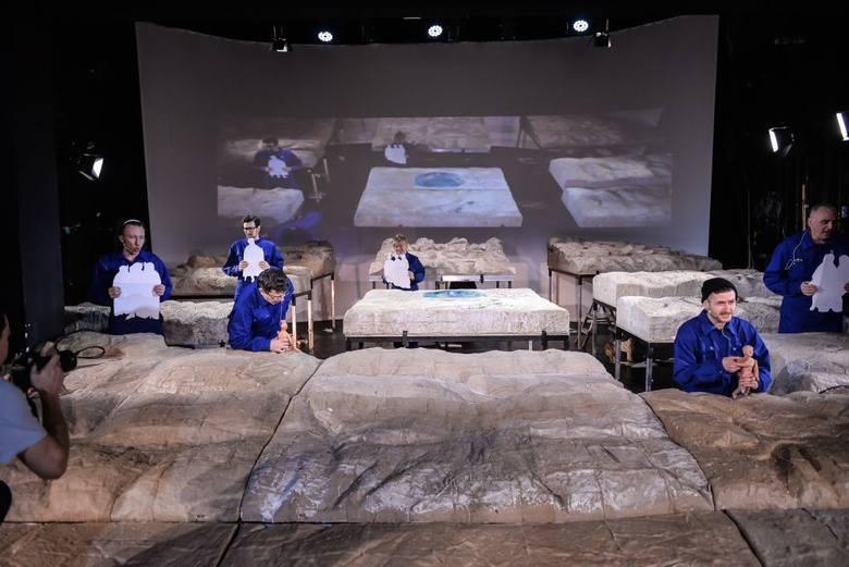 """""""Krzyżacy"""", spektakl gdańskiego Teatru Miniatura"""