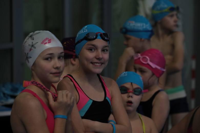 Festiwal pływania na basenie Floating Arena w Szczecinie [ZDJĘCIA]