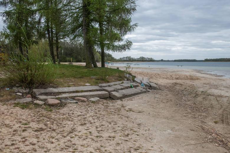 Sucho na polach, brakuje wody w rzekach, wysychają jeziora. Susza jest dziś widziana gołym okiem. Od trzech lat zmagamy się z niedoborem opadów i suszą,