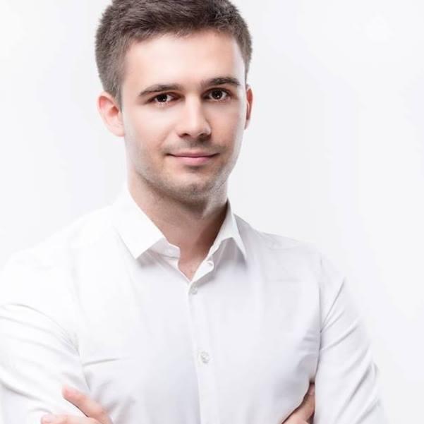 Na 9. pozycji uplasował się <strong>Konrad Zaradny</strong>, który będzie nowym radnym w Poznaniu. W głosowaniu otrzymał 4 819 głosów w okręgu nr II obejmującym Sołacz i Winogrady. Uzyskał poparcie na poziomie prawie 15 procent.&lt;br /&gt; &lt;br /&gt; <strong>Którzy radni dostali najwięcej głosów? Sprawdź ---&gt;</strong>&lt;br /&gt;