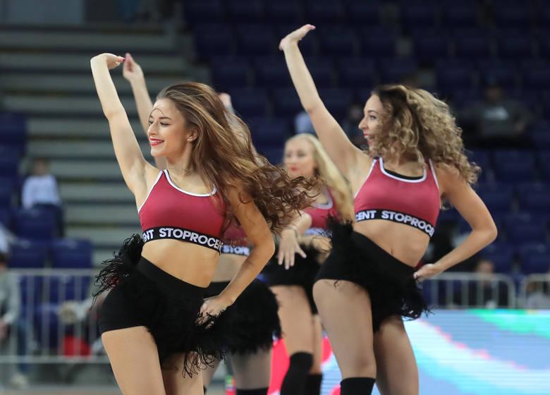 Prawie 1200 osób oglądało na żywo z trybun Netto Arena mecz Kinga Szczecin z HydroTruckiem Radom. Fani, jak zwykle, mogli w przerwach spotkania obserwować