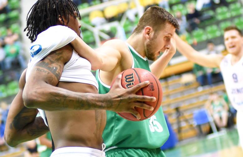 Koszykarze Stelmetu Enei BC Zielona Góra przegrali kolejny mecz w lidze VTB. Tym razem z Zenitem Sankt Petersburg (78:109). W drugiej kwarcie tego spotkania