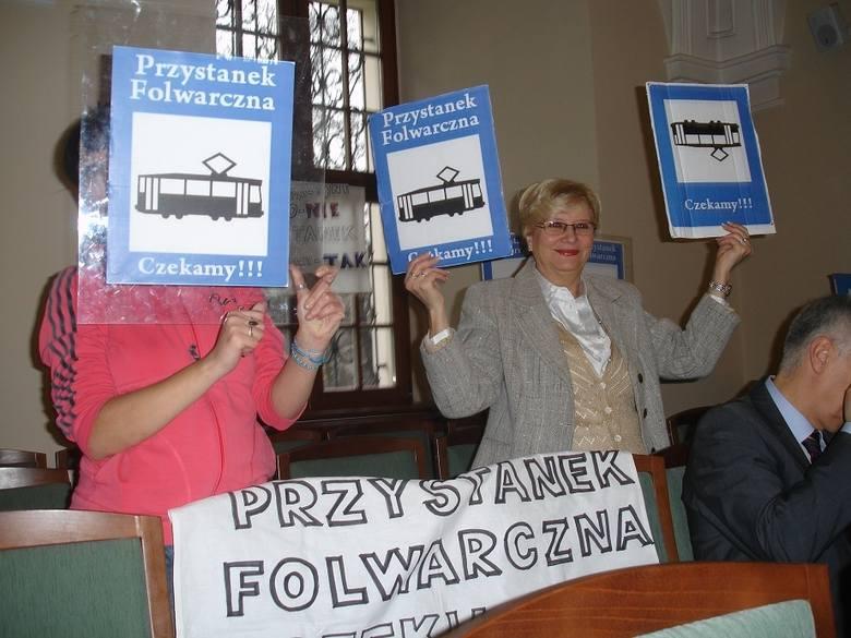 Folwarczna walczy o przystanek - Mieszkańcy osiedli w okolicach budowanej pętli na Franowie na sesji Rady Miasta, grudzień 2011 r.