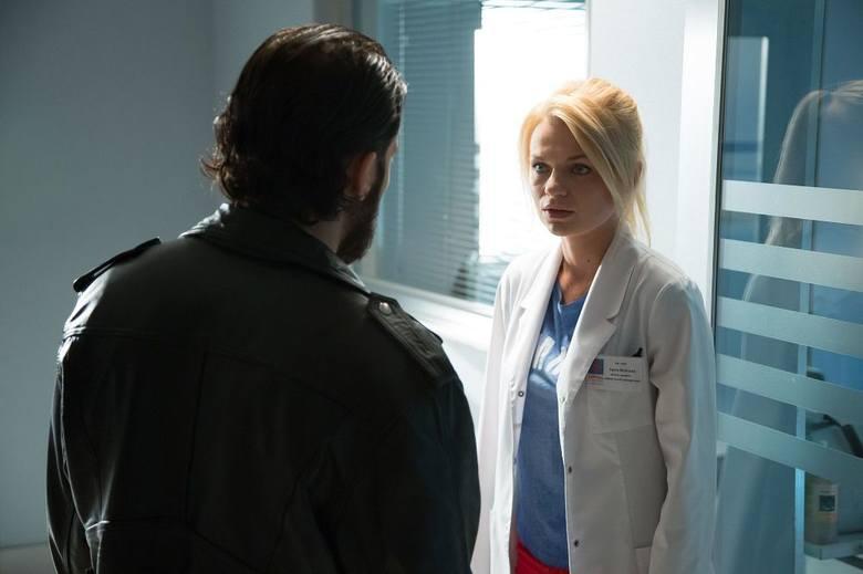 """""""Na dobre i na złe""""W Leśnej Górze kolejne dramaty. Leszek poznaje w szpitalu Kingę, pacjentkę, która marzy o utracie zbędnych kilogramów;"""