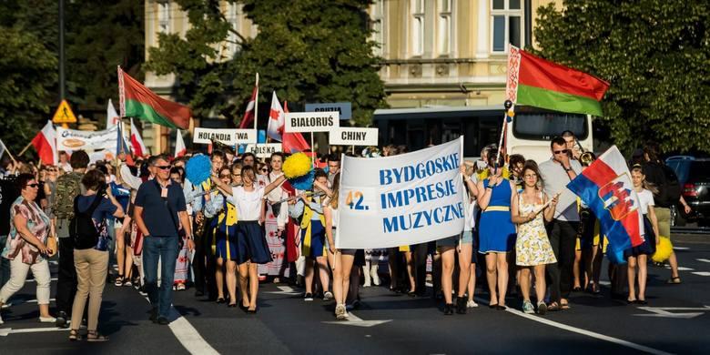 Bydgoszcz znów jest światową stolicą muzykującej młodzieży! Po raz 42. Bydgoskie Impresje Muzyczne tradycyjnie w poniedziałek (24 czerwca) otworzył przemarsz