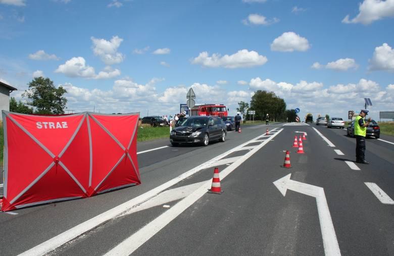 Do śmiertelnego potrącenia doszło dziś przed południem w miejscowości Gruczno (powiat świecki). Droga Krajowej nr 5 była zablokowana. Na miejscu pracowali