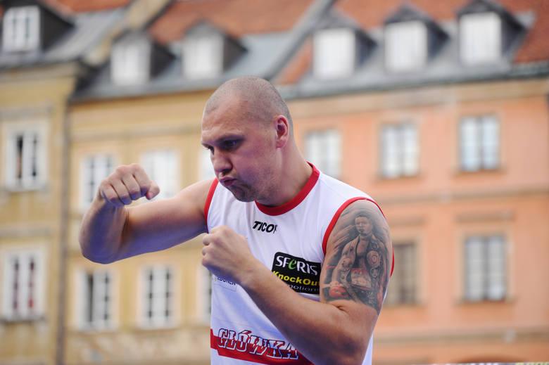 Mairis Briedis - Krzysztof Głowacki. Olbrzymi skandal w Rydze. Polak znokautowany i... oszukany?! Wynik walki. Zobacz wideo