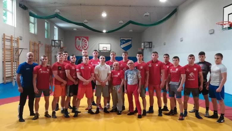 Zawodnicy Czarnych Połaniec przebywają na zgrupowaniu kadry juniorów w zapasach