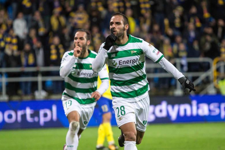 W trzech ostatnich sezonach Ekstraklasy koronę króla strzelców zdobywali zagraniczni zawodnicy: Carlitos, Igor Angulo i Christian Gytkjaer. Po kilku