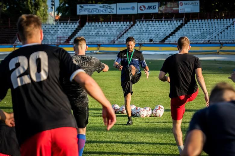 Dariusz Porbes został nowym trenerem V-ligowca z Bydgoszczy. Za rok, Na 100-lecie klubu, ma wywalczyć awans.Porbes ma 47 lat i jest wychowankiem klubu