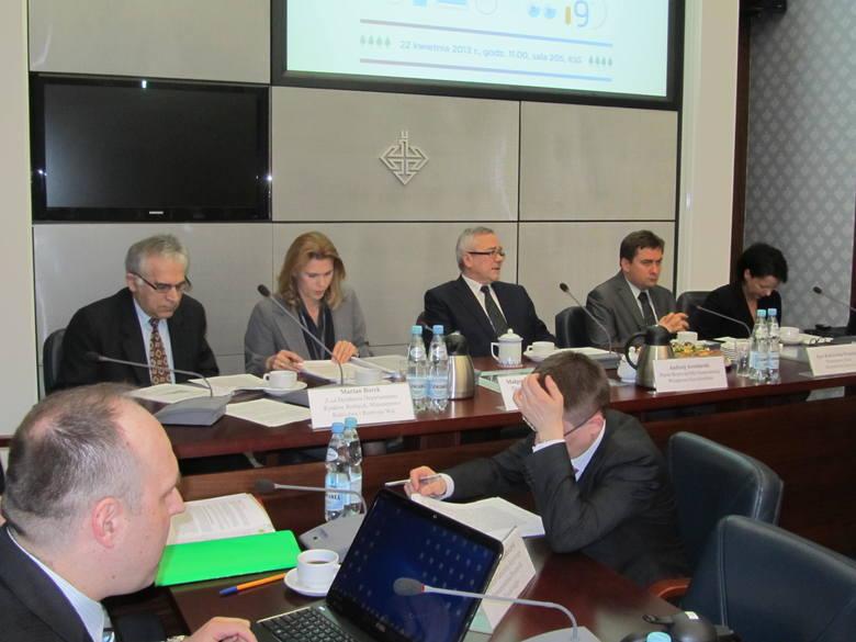 Od lewej: Marian Borek MRiRW , Małgorzata Wenerska Craps MG , Andrzej Arendarski KIG, Igor Radziewicz – Winnicki  podsekretarz stanu w Ministerstwie