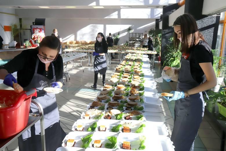 Wielkanocne śniadanie dla zagranicznych studentów na UŁ