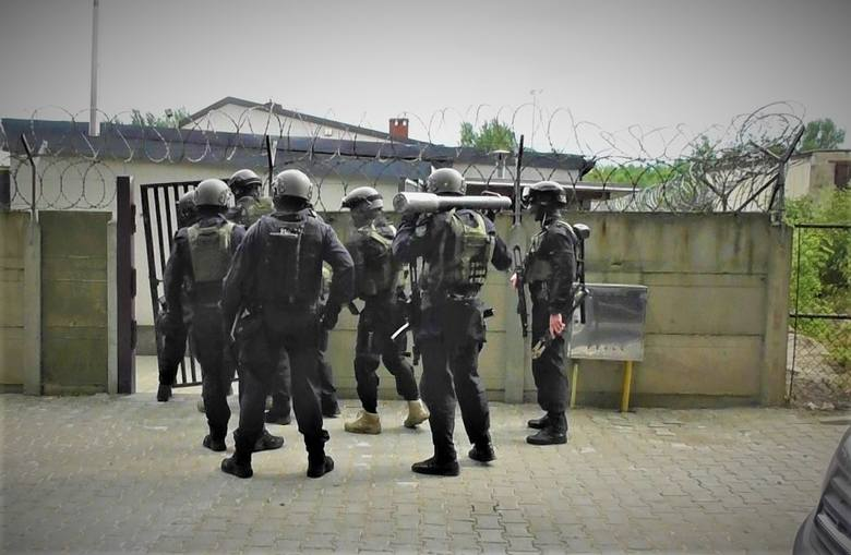 Funkcjonariusze Bieszczadzkiego Oddziału Straży Granicznej z Przemyśla oraz policjanci Centralnego Biura Śledczego Policji, we współpracy z funkcjonariuszami