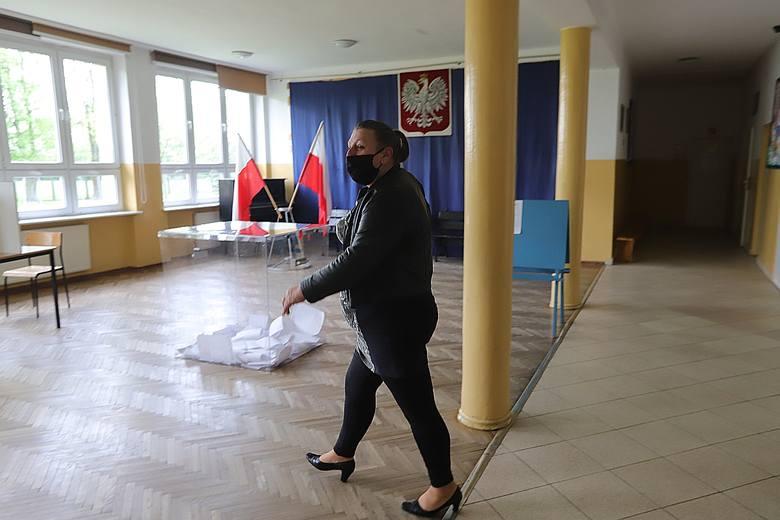 W gminie Zgierz odbywały się dziś przedterminowe wybory wójta. Zarządził je prezes rady ministrów Mateusz Morawiecki rozporządzeniem z 20 marca bieżącego