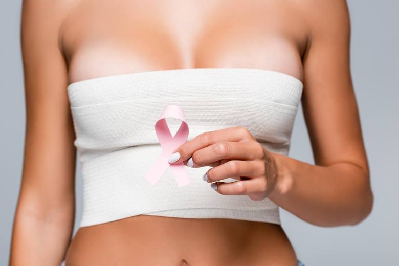 Gwiazdy, które poddały się mastektomii profilaktycznie lub w ramach leczenia nowotworu pokazują, że usuwając piersi, wygrały życie. Zobaczcie sami na