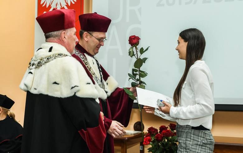 Na Uniwersytecie Technologiczno-Przyrodniczym odbyła się w środę uroczysta inauguracja roku akademickiego 2019/2020. WIĘCEJ ZDJĘĆ NA NASTĘPNYCH STRONACHGość