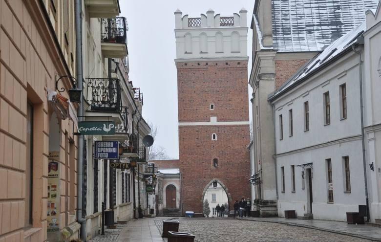 Sandomierz. - Brama Opatowska.